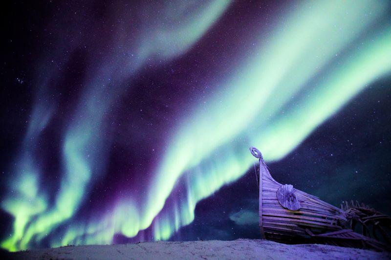 Vardø - Drakkar i Nordlys